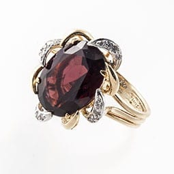 Garnet-and-Diamond-Ring